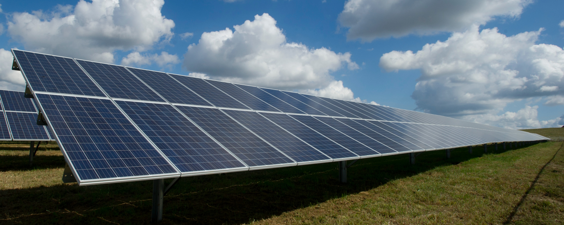 More power from solar panels – by using porous materials